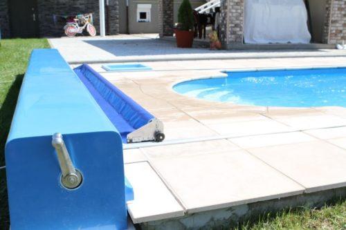 Покрывало для бассейна на улице
